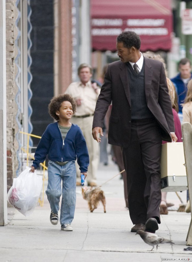 pursuit of happiness movie analysis The pursuit of happyness : movie analysisi summary chris gardner a salesman invest his entire savings in portable bone-density br.