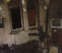Ночью из горевшего в Севастополе дома эвакуировали жильцов (ФОТО)