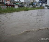 В Симферополе до сих пор подтоплены более сотни многоэтажек: службы бездействуют, – вице-премьер