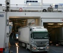 Поток грузовых автомобилей через Керченскую переправу вырос в два раза по сравнению с прошлым годом