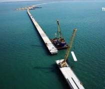 Строительство моста через Керченский пролив находится в самой активной стадии – министр транспорта России