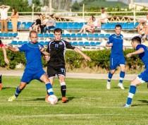 Восьмой тур чемпионата Премьер-лиги КФС принёс три выигрыша хозяев и одну победу гостей