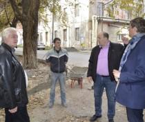 Заместитель Главы Администрации проверил ход ремонтных работ на ул. Боевая