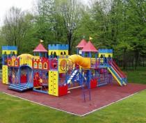 Более сотни детских площадок за 30 млн руб появятся в городах и районах Крыма до конца года