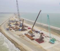 Строители Крымского моста планируют освоить в следующем году более 60 млрд руб