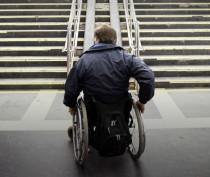 Аксёнов раскритиковал работу муниципалитетов по обеспечению доступной среды для инвалидов