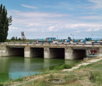 Украинский депутат предложил возобновить поставки всего в Крым