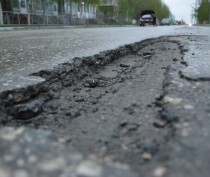 Пострадавшие от непогоды дороги Крыма будут отремонтированы к середине апреля – вице-премьер