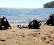 Водолазы очистили акваторию муниципальных пляжей Керчи от опасных предметов