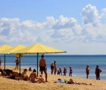 Министр курортов Крыма обвинил погоду в сокращении турпотока на полуострова