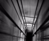 Женщина с младенцем погибли в результате обрушения лифта в Симферополе