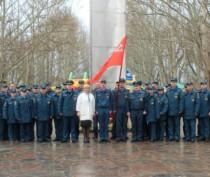 В Феодосии состоялась патриотическая акция «Знамя Победы»