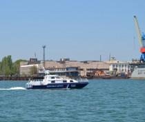 В районе мыса Опук моряки-пограничники спасли яхту