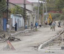 В Феодосии благоустраивают улицы Нахимова, Десантников и Федько
