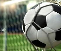 В субботу на феодосийском стадионе футбол