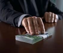 Начальника феодосийского ЖКХ задержали при получении крупной взятки
