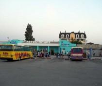 В Феодосии больше года на автовокзале стоит магазин, выстроенный вопреки решению депутатов