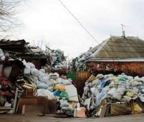 У феодосийки вывезли 16 машин с мусором