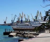В Крыму рассматривают вопрос перевалки цемента через феодосийский торговый порт