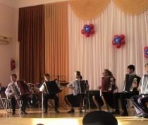 Новости Феодосии:  В Феодосийской музыкальной школе отметили День защитника Отечества