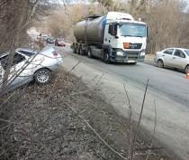 Новости Феодосии: На феодосийской трассе «десятка» угодила в кювет (ФОТО)