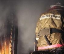 Новости Феодосии: Спасатели эвакуировали 5 человек из горящей квартиры в Кировском