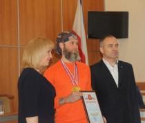 Новости Феодосии: В Феодосии оценили заслуги чемпионов по плаванию в холодной воде