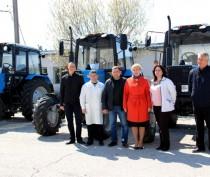 Новости Феодосии: Три новых трактора пополнили парк техники завода «Коктебель»