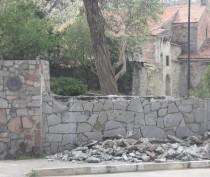 Новости Феодосии: В Феодосии начали облагораживать территорию вокруг могилы И.К. Айвазовского