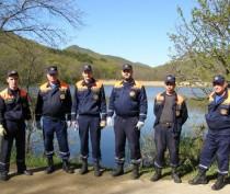 Пожарные феодосийского округа присоединились к акции «Чистый берег» (ФОТО)