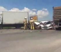 Новости Феодосии: Водитель легковушки чудом остался жив в поочередном столкновении с двумя грузовиками в Феодосии (Дополнено + фото)