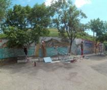 Новости Феодосии: Коктебельские художники украшают поселок уличной росписью (ФОТО)
