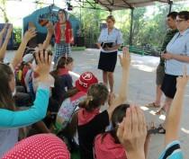 Новости Феодосии: Полицейские Феодосии проводят с ребятами уроки права