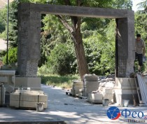 Новости Феодосии: Территорию возле могилы Айвазовского успевают благоустроить к юбилею