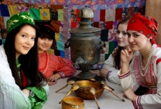 Новость. Город: Феодосия - Аллея национальных культур украсит центр Феодосии в день города