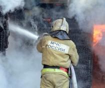В Щелкино горел заброшенный Камаз