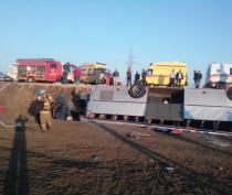 Стали известны подробности ДТП с перевернувшимся под Керчью автобусом