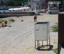 Феодосийские депутаты предлагают расторгнуть договор с арендатором пляжа «Камешки»