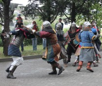 Рыцарский турнир, выставка доспехов и мастер-классы пройдут в Феодосии