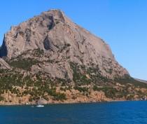 Спасатели оказали помощь керчанам, которые ночью заблудились в горах
