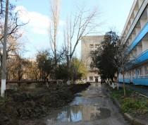 В Керчи заменили аварийный участок водовода у горбольницы (ФОТО)