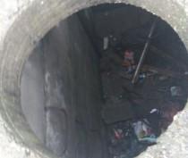 Мужчина провалился в 4-метровый люк на Челноках в Феодосии