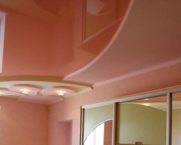 Установка двухуровневых натяжных потолков